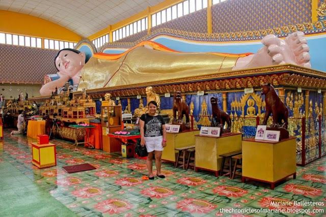 Reclining Buddha Wat Chayamangkalaram Thai Buddhist Temple